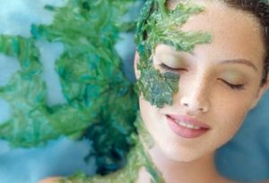 1. Trị mụn bằng tảo Spirulina Nhật Bản