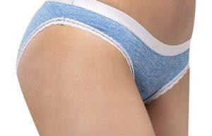 1. Mặc quần lót có độ thấm hút cao