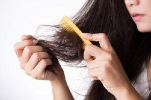 Tóc rụng và mỏng – triệu chứng tiền mãn kinh