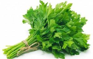 Uống gì để ra kinh – nước rau mùi tây