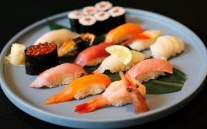 Ăn gì tốt cho nam giới khi quan hệ - Sushi