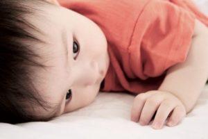 Tinh hoàn chảy xệ sa tinh hoàn ở trẻ sơ sinh có nguy hiểm không?